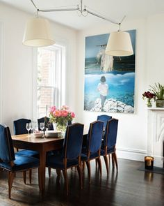 Romantic dining room with gorgeous navy dining chairs! Image from MyHomeLookBook. #laylagrayce #dining