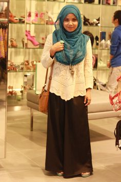 so simple and covering chest- Aishah Amin : The Hijab Diaries