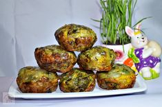 Drob de miel in prapur Baked Potato, Potatoes, Easter, Baking, Ethnic Recipes, Food, Natural, Honey, Bread Making