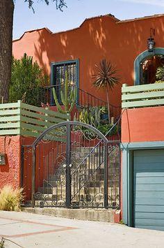 Los Feliz Lodge - B&B for family?