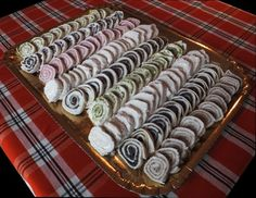 Girelle tramezzini I Party, Party Time, Healthy Finger Foods, No Salt Recipes, Party Trays, Antipasto, Animal Print Rug, Picnic, Brunch