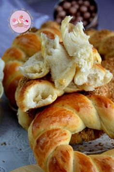 Moroccan Bread, Pita Bread, Beignets, Iftar, Turkish Recipes, Croissants, Dinner Rolls, Naan, Churros