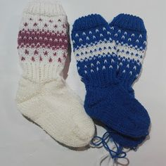 Lumioosi: Helpot kirjoneulesukat Knitting Socks, Knit Socks, Mittens, Christmas Stockings, Knit Crochet, Diy And Crafts, Gloves, Slippers, Fashion