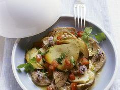 Kalbszunge mit Pilzsalat ist ein Rezept mit frischen Zutaten aus der Kategorie Kalb. Probieren Sie dieses und weitere Rezepte von EAT SMARTER!