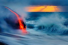 There are innumerable photographs of volcanos and lava, but none like the ones by Nick Selway and C. These crazy guys capture a new perspective on Hawaii's molten lava that flows into the ocean by swimming to where the collision actually takes. Close Up Photos, Cool Photos, Amazing Pictures, Lava Flow, Active Volcano, Big Island, Ciel, Nature Photography, Mother Nature