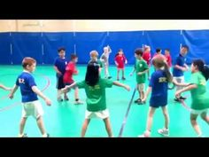 Cooperative games - some great games that foster communication and teamwork. Pe Games, Cooperative Games, Physical Education Games, Teamwork, Zig Zag, Gym, The Fosters, Physics, Fun Stuff