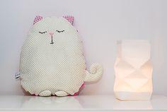 mademoiselle M » Le coussin chat doudou tout doux