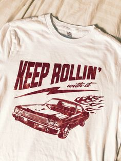 Keep rollin with it. Our newest collection of graphic tees! With distressed, vintage style prints, these are your new go-to wardrobe staple. Grunge Photography, Photography Poses Women, Urban Photography, White Photography, Newborn Photography, Indie Fashion, New Fashion Trends, Retro Fashion, Throwback Outfits