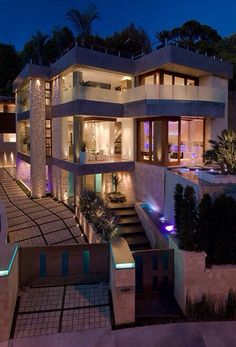 With amazing design, house becomes perfect.   #luxuryhomes http://thelocalrealty.com