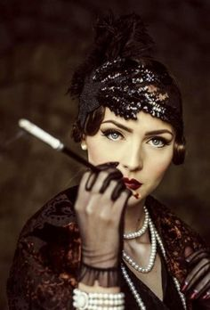 Idda van Munster: Dark Flapper Look by Nina and Muna - Idda van Munster: Dark Flapper Look by Nina and Muna Source by sarahstehlingro - Look Vintage, Vintage Beauty, Vintage Fashion, Diy 1920s Fashion, Modern Fashion, Flapper Fashion, Edwardian Fashion, Emo Fashion, Fashion Women