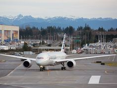 American Airlines' first Boeing 787 Dreamliner takes