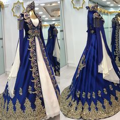 Pretty Outfits, Pretty Dresses, Ball Dresses, Ball Gowns, Dress Outfits, Fashion Dresses, Fantasy Gowns, Medieval Dress, Beautiful Gowns