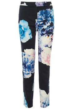 Printed with oversized multi-hued florals, these tailored trousers are a real statement piece. The Helsinki Trousers are tapered through the leg for a slimming look whilst the fitted band at the waist gives a flattering shape. Closed with a concealed front fly, these runway inspired printed trousers look stunning when worn with a loose cami tucked in. Printed Trousers, Tailored Trousers, Coast Stores, Helsinki, Looking Stunning, Cami, Florals, Runway, Pajama Pants