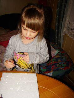 Ania mama Agnieszki: Znikający styropian – rysujemy obrazki zmywaczem