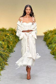 Christian Siriano, Fashion Week, New York Fashion, Fashion Show, Fashion Design, Fashion Trends, Ootd Fashion, I Love Fashion, Fashion 2020