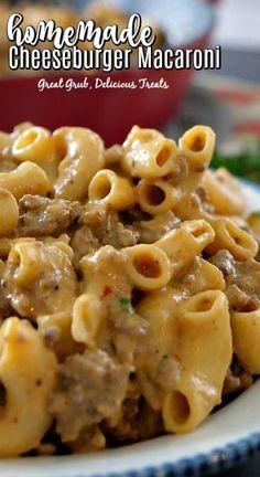 Homemade Cheeseburger Macaroni - A copycat cheeseburger macaroni recipe, loaded with pasta, hamburger, cheese, seasoned perfectly and an easy weeknight meal Macaroni Casserole, Macaroni Recipes, Easy Casserole Recipes, Crockpot Recipes, Cooking Recipes, Pasta Recipes, Beef Macaroni, Hamburger Recipes, Noodle Recipes