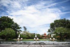 Wedding location: Taman Bhagawan, Nusa Dua, Bali Photographed by: Iwan Wedding organizer: Botanica Weddings Bali Wedding, Wedding Venues, Amazing Photos, Cool Photos, Dolores Park, Wedding Photography, Travel, Wedding Reception Venues, Wedding Places