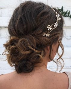92 Drop-Dead Gorgeous Wedding Hairstyles For Every Bride To Be - Fabmood | Wedding Colors, Wedding Themes, Wedding color palettes