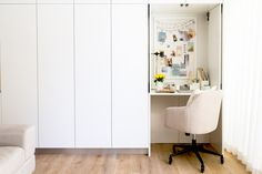 Briar from Sunday Collector shares her small home office tips - The Interiors Addict