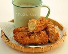 ever popular Pisang Goreng (Banana Fritters) with a gluten free crispy coating. Only a few simple ingredients and minutes to prepare. Indonesian Desserts, Asian Desserts, Indonesian Food, Filipino Desserts, Indian Food Recipes, Asian Recipes, Sweet Recipes, Food Design, Banana Fritters