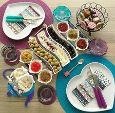 Kahvalti Eid Breakfast, Turkish Breakfast, Breakfast Ideas, Breakfast Presentation, Food Presentation, Israeli Food, Food Platters, Brunch Party, Iranian Food