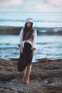 Blackfaun.com   Moody Tides #feathercrown #crown #headdress #featherheaddress #feathers #diy #feathercrafts #crafts #handmade #fashion #style #styleblogger #gypsy