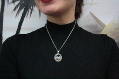 Occhio di Ra / Girocollo / Amuleto / micro mosaico / gioiello con mosaico / mosaico artistico / fatto a mano / made in Italy di Musemosaicojewels su Etsy https://www.etsy.com/it/listing/489881139/occhio-di-ra-girocollo-amuleto-micro