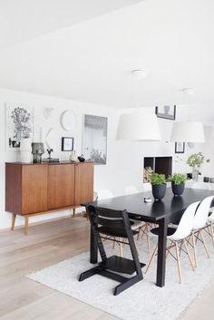 Un salón comedor en blanco y negro | Decorar tu casa es facilisimo.com