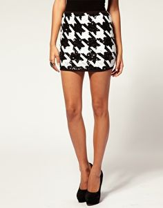 If I was an Alabama fan I would wear this sequin houndstooth skirt to every game $96.00