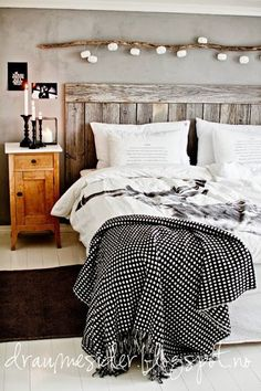 wood + grey bedroom // draumesider by lois