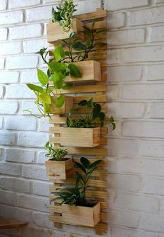 Very Beautiful Diy Wooden Pallets Shelf Fresh Idea.Very Beautiful Diy Wooden Pallets Shelf Fresh Idea.Very Beautiful Diy Wooden Pallets Shelf Fresh Idea. Jardim Vertical Diy, Vertical Garden Diy, Diy Garden, Balcony Garden, Garden Projects, Wood Projects, Vertical Gardens, Welding Projects, House Projects