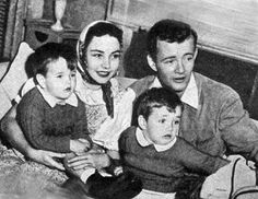 Jennifer Jones & Robert Walker & sons.....This was her first marriage & they had two sons, Robert Walker, Jr. (born April 15, 1940; the only one of Jones's children who would not predecease her), and Michael Walker (March 13, 1941 – December 27, 2007). Both later became actors. Jones had an affair with film producer David O. Selznick, which eventually led to her separation from Walker in November 1943 and divorce in June 1945.