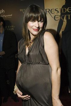 df95e674fe 10 Great Pregnant Fashion- Red Carpet Pregnant Outfits images ...
