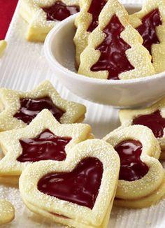 Fruchtige Weihnachtsplätzchen mit süßer Erdbeerkonfitüre: http://kochen.gofeminin.de/rezepte/rezept_platzchen-mit-erdbeerkonfiture_231218.aspx