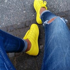 Adidas Women Shoes - ADIDAS Womens Shoes - men outfit fashion - Find deals and best selling products for adidas Shoes for Women - We reveal the news in sneakers for spring summer 2017 Cute Shoes, Me Too Shoes, Adidas Shoes Women, Shoes Men, Shoes Sneakers, Sneakers Adidas, Adidas Outfit, Nike Women, Yellow Adidas