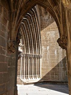 Església de Santa Maria d'Ujué. Navarra. Gothic Architecture, Built Environment, Renta, Santa Maria, Gothic Fashion, Gd, Britain, Cathedral, Medieval