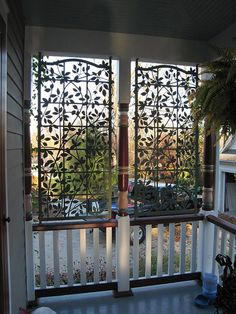 Clematis on Lattice Screens von Lattice Art Designs 2019 - Balcony Trellis - Selbermachen Backyard Privacy Screen, Porch Privacy, Outdoor Privacy, Backyard Patio, Privacy Screens, Patio Decks, Front Porch Design, Patio Design, Clematis Trellis