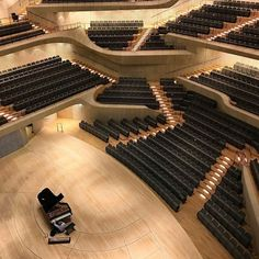 Elbphilharmonie Concert Hall by Herzog & de Meuron. Sacred Architecture, Concert Hall Architecture, Architecture Design, Cultural Architecture, Architecture Magazines, Landscape Architecture, Theatre Architecture, Amazing Architecture, Auditorium Design