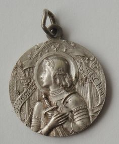 Rare Vintage Medal St. Joan Of Arc by religiousmedals on Etsy https://www.etsy.com/listing/255165367/rare-vintage-medal-st-joan-of-arc