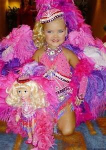Toddlers and Tiaras! eck!