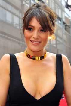 The gorgeous bouncy breasts of the fantastic actress Gemma Arterton in a tight cleavage revealing black sexy dress at 2015 Olivier Awards in London. Gemma Christina Arterton, Gemma Arterton, Hottest Female Celebrities, Beautiful Celebrities, Beautiful Actresses, Gorgeous Women, Hally Berry, Gemma Atkinson, Actrices Hollywood