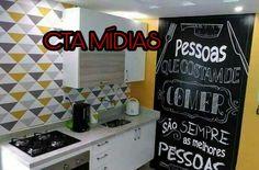 Envelopamento personalizado em parede de cozinha !