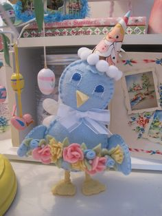 Easter Bluebird instructions  Adorable...and those felt flowers ♥Ü♥