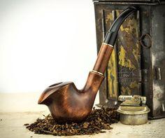 Pipa de madera tallada. Pipas de tabaco.