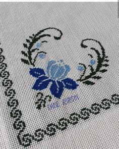1 million+ Stunning Free Images to Use Anywhere Cross Stitch Boarders, Cross Stitch Designs, Cross Stitch Patterns, Crochet Doily Patterns, Crochet Doilies, Palestinian Embroidery, Free To Use Images, Borders For Paper, Bargello