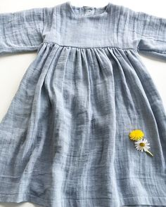 Total verliebt ... ...in dieses Kleid aus #Musselin  bzw. #doublegauze  .  und der Schnitt ist von  @ikateecouture ....