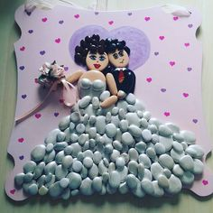 What a beautiful marriage pebble artwork picture! You could really personalize this pebble art!!