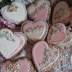 All-occasion pink, lacy, floral heart cookies by Teri Pringle Wood Elegant Cookies, Fancy Cookies, Iced Cookies, Cupcake Cookies, Sugar Cookies, Cupcakes, Heart Shaped Cookies, Heart Cookies, Valentines Day Cookies