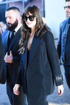 Dakota Johnson Pairs Lingerie With a Gucci Suit for Chic Milan Fashion Week Look Dakota Johnson Style, Dakota Mayi Johnson, Gucci Suit, Vogue, Partys, Suits For Women, Front Row, Celebrity Style, Cool Outfits