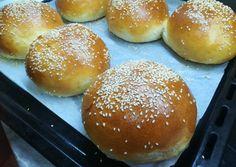 Mini Hamburgers, Bread Dough Recipe, Bacon, Grilling, Recipes, Food, Kitchens, Mini Burgers, Crickets